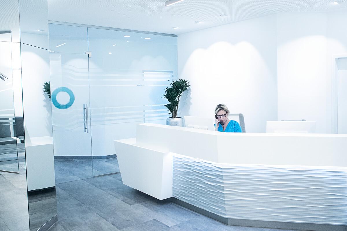 Die Zahnarztpraxis in München Haidhausen am Empfang